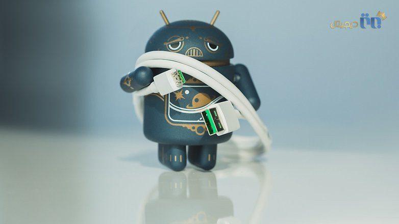 آدمک اندروید ناراحت   مشکل شارژ نشدن گوشی همراه خود را چطور حل کنیم؟